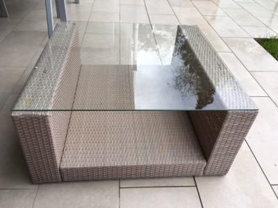 Garden table with glass cover - Playa Vista, Los Angeles, California