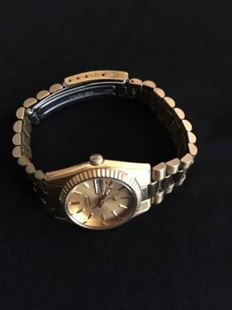 Seiko Women's Watch - Gold Tone - Los Angeles