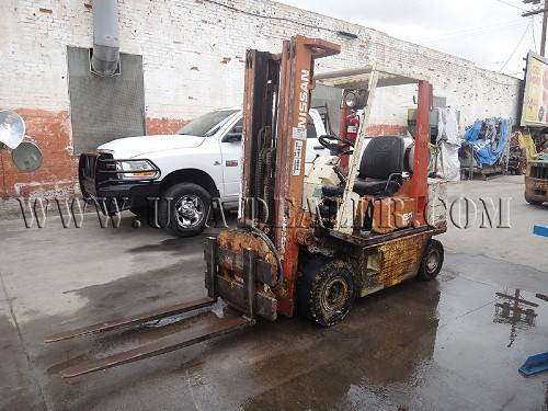 1993 NISSAN FORKLIFT KAPH02A25V 3,175 LBS CAPACITY W/ ROTATOR - Downtown, Los Angeles, California